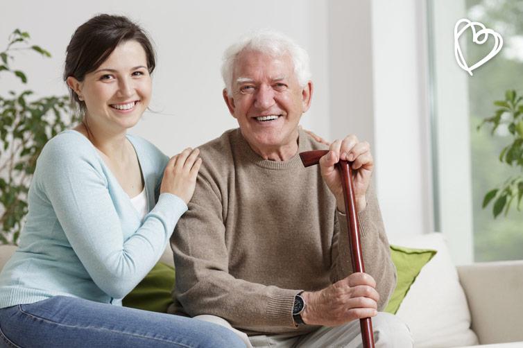 Residencia para mayores o asistencia en casa.